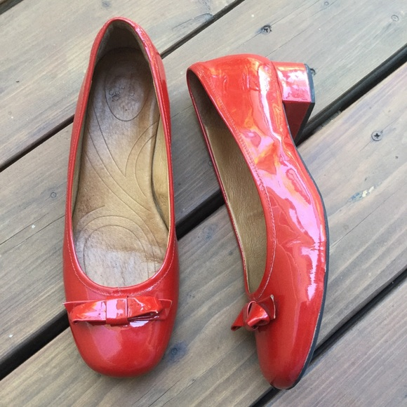 Clarks Shoes | Indigo Charmed Red Bow